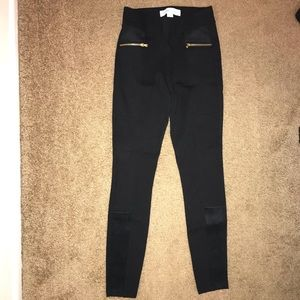 Black old navy legging w/ front zippers